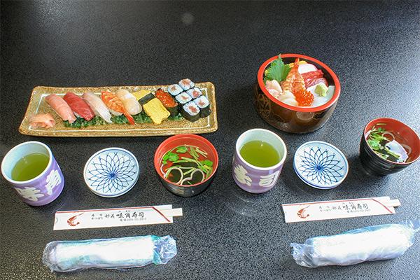 味角寿司のお食事